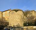Au pied du château du xve siècle.jpg