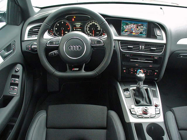 File audi a4 b8 facelift avant ambition s line 2 0 tdi for Interieur cuir audi a4