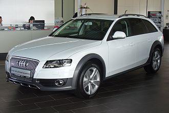 Audi allroad quattro - Image: Audi A4 allroad 2.0 TFSI quattro S tronic Gletscherweiß