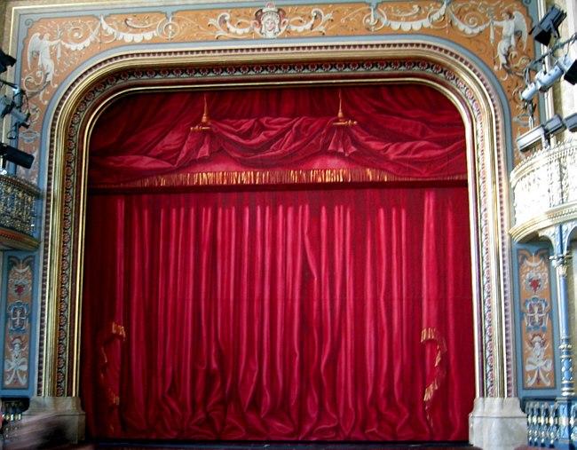 Augsburg Parktheater Goeggingen Vorhang