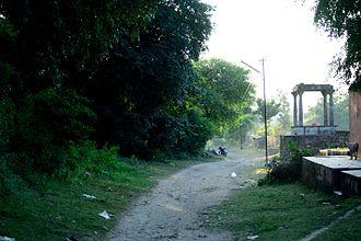 Rampura, Neemuch - Path to Bada talaab
