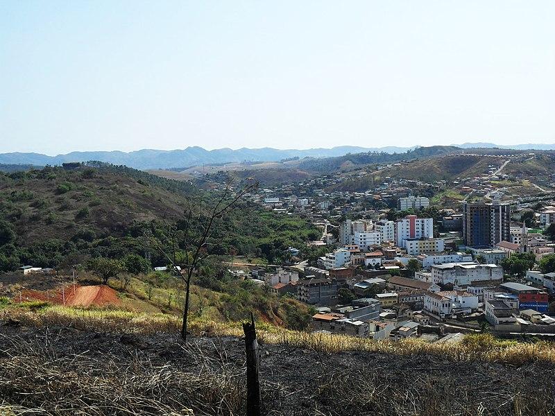 File:Bairro Santo Antonio ao fundo. - panoramio.jpg
