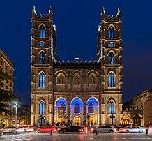 La basilique Notre-Dame de Montréal par un soir d'été 2017. (définition réelle 4911×4549)