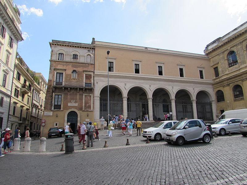 Basilica San Pietro in Vincoli din Roma.jpg