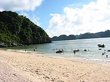 Beach in Cat Ba.JPG