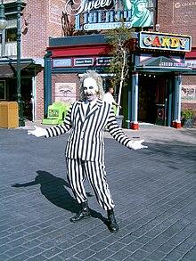 Beetlejuice, uno dei primi personaggi gotici di Tim Burton.