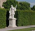 Belvedere gardens statue - Vienna.jpg