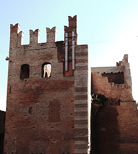 Bentivoglio Castle Tower.jpg