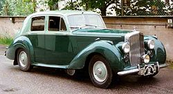 Bentley R-Type 4-Dorrars Saloon 1953.jpg