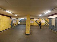 Berlin S- und U-Bahnhof Wuhletal (9497685394).jpg