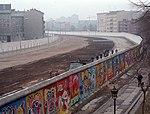 A berlini fal az NSZK felől 1986-ban