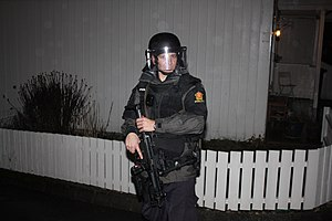 Emergency Response Unit (Norway) - Armed officer with an MP5
