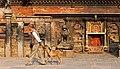 Bhaktapur-Bhairava Mandir am Taumadhi Tole-12-gje.jpg