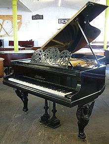 Blüthner Klavier Berlin