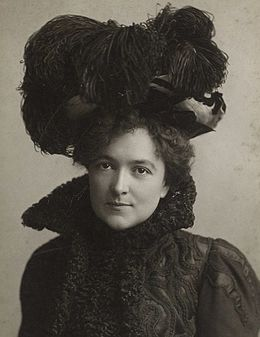 Blanche Bates actress wearing hat.jpg