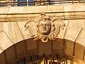 Bordeaux place de la Bourse Mascaron visage d'une africaine.JPG
