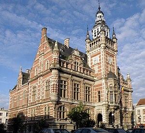 Borgerhout - Image: Borgerhout Gemeentehuis 2