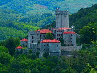 Branik Castle - Branik (Rihemberk) Castle viewed from Branik