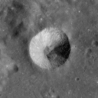 Brewster (crater) - Apollo 15 image