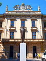 Brno MUNI Rektorát socha.JPG