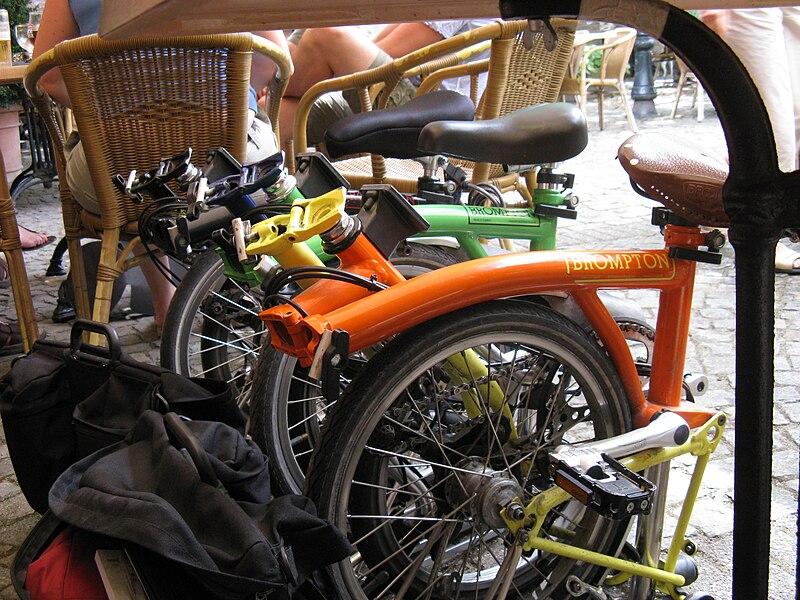 File:Brompton-bicycle-treffen-in-Zwaneven.jpg