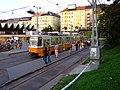 Budapešť, Moszkva tér, tramvaj na konečné stanici.jpg