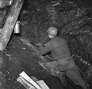 Hewer - Image: Bundesarchiv B 145 Bild F030465 0001, Ruhrgebiet, Kohlebergbau