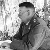 Bundesarchiv Bild 101I-022-2929-01, Russland, Generäle bei Besprechung (cropped).jpg