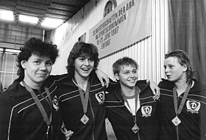 Manuela Stellmach - Manuela Stellmach (right) at the 1987 East German Swimming Championships in Erfurt.