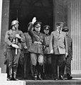 Bundesarchiv Bild 183-B03212, München, Staatsbesuch Jon Antonescu bei Hitler (cropped).jpg
