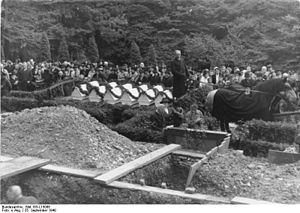 Bethel Institution - Bethel Cemetery, 25 September 1940: Burial of the Bethel casualties of the air raid