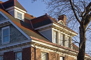 English: House in Cumberland, Maryland USA wit...