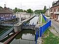 Canal de la sambre à l'Oise - écluse Landrecies.jpg