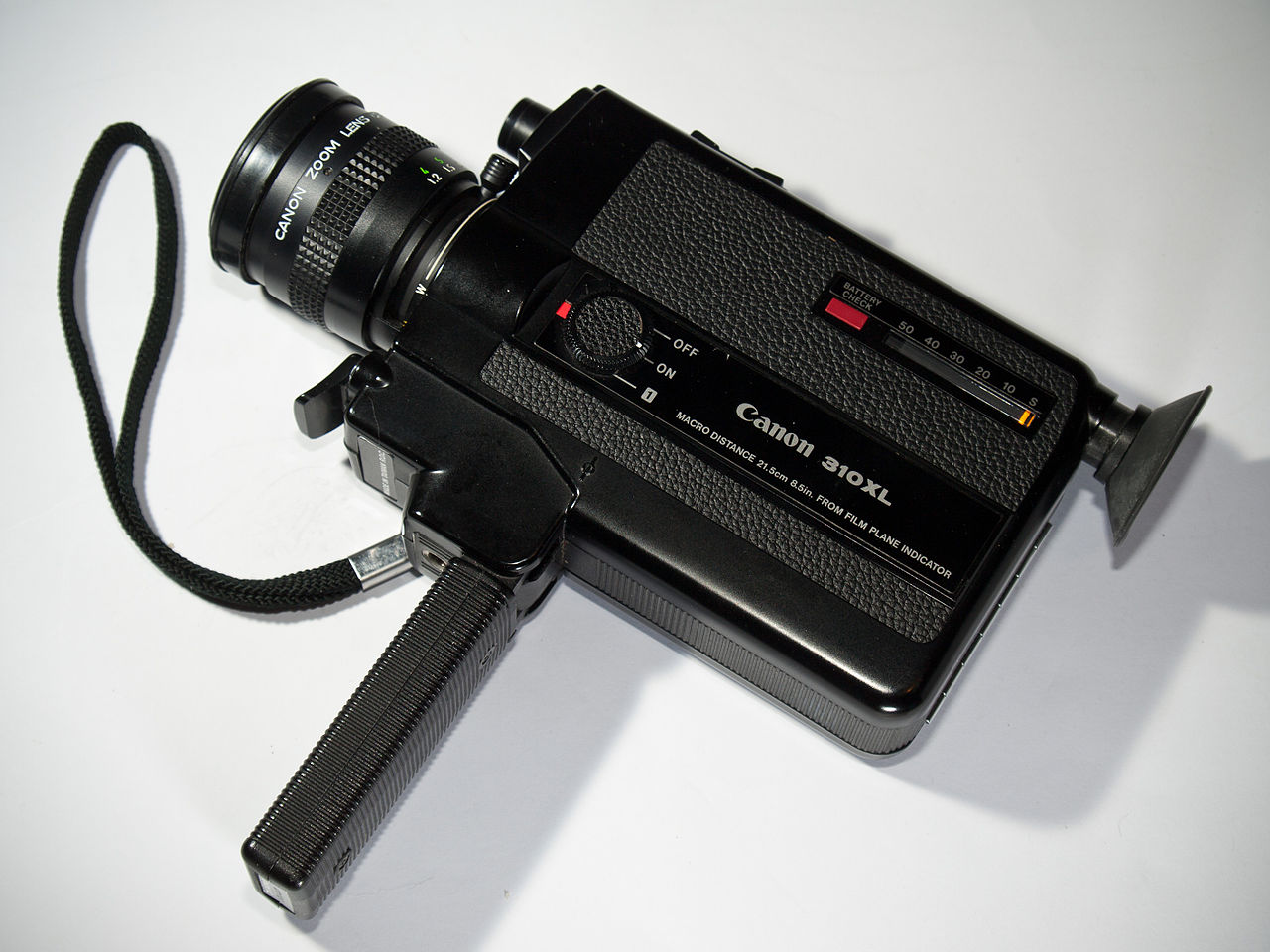 1280px-Canon_310XL_Super_8_camera.jpg