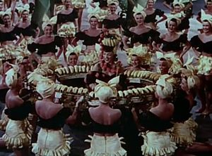 Busby Berkeley - Carmen Miranda in The Gang's All Here (1943)