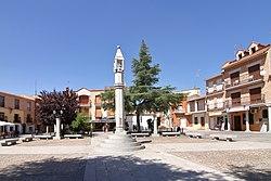 Casarrubios del Monte, Plaza de España, Picota.jpg