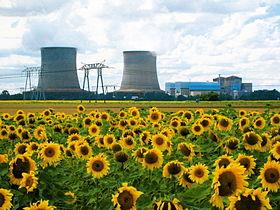 http://upload.wikimedia.org/wikipedia/commons/thumb/5/5d/Centrale-nucleaire-Saint-Laurent-des-Eaux.jpg/280px-Centrale-nucleaire-Saint-Laurent-des-Eaux.jpg