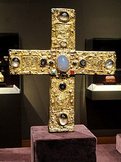 Ceremonial Cross of Count Liudolf, shortly after 1038, German, Lower Saxony, gold with enamel, gems, and pearls over wood core - Cleveland Museum of Art - DSC08525.JPG