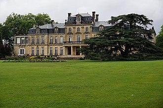 Parc de Bourran - Image: Château Bourran sous la pluie Merignac 33