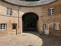 Château Hesse de Flixecourt - Vue du passage charretier de la Rotonde.jpg