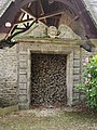Château de Tocqueville - Portail des communs.JPG