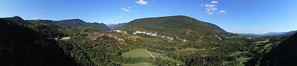 Champfromier vallée de la Valserine01 2018-08-11.jpg