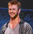 Chris Hemsworth 2010 Comic-Con 2 Cropped.jpg