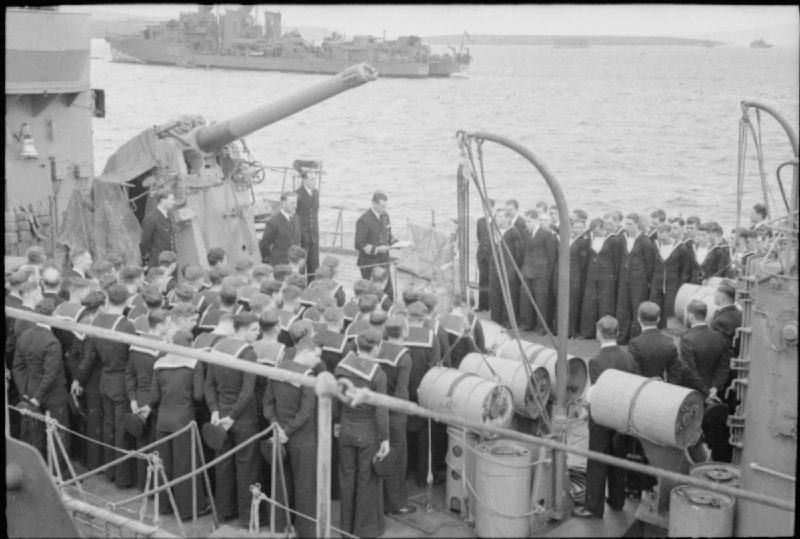 Church service HMS Javelin 1940 IWM A 549