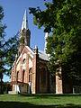 Cielętniki - kościół i lipa.jpg