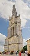 Clocher de l'église mololithe de Saint Emilion.jpg