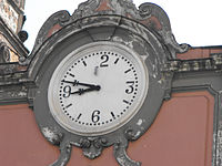 approx. 08:47 (or 08:47) displayed on clock/watch
