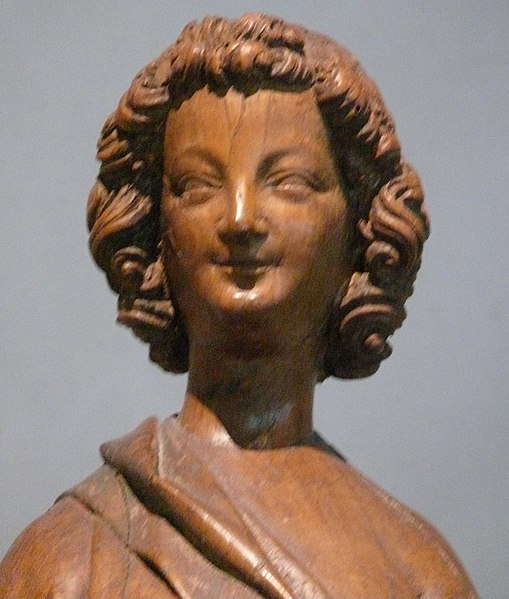 ファイル:Cloisters laughing angel.JPG