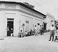 Collectie Nationaal Museum van Wereldculturen TM-20016541 Dorp Aguas Buenas. Volkstypen Puerto Rico Boy Lawson (Fotograaf).jpg