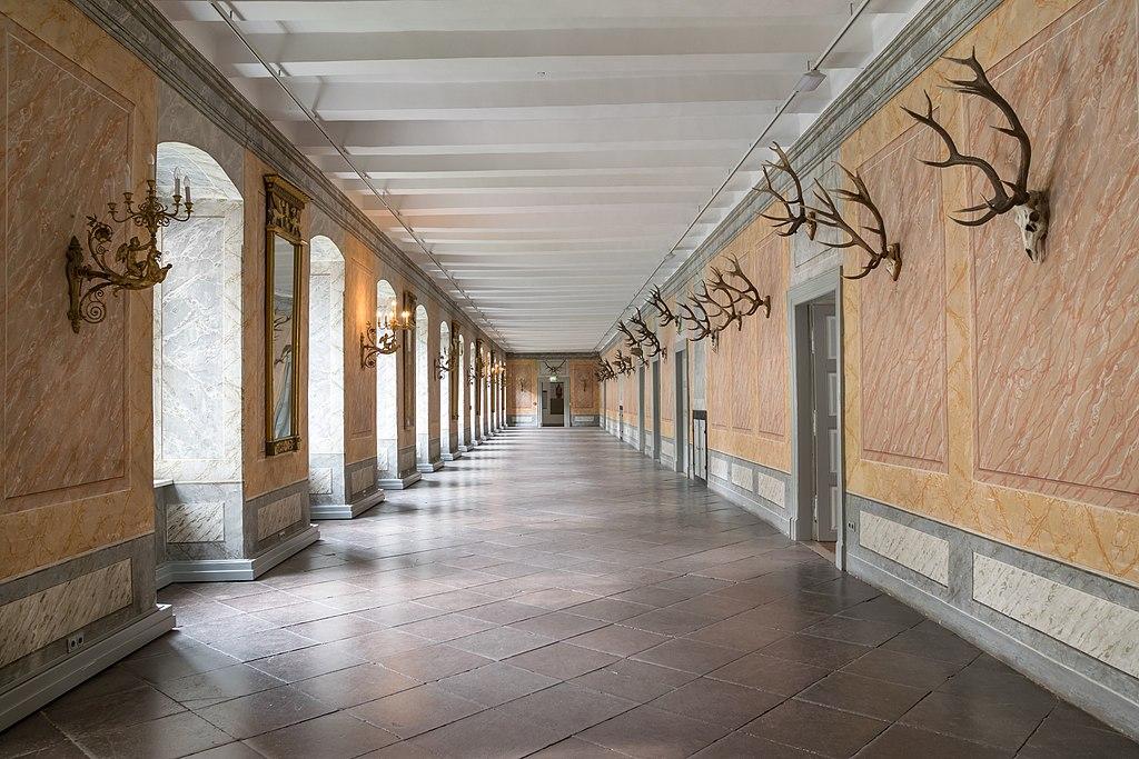 Kloster Corvey - Geweihgang (01)